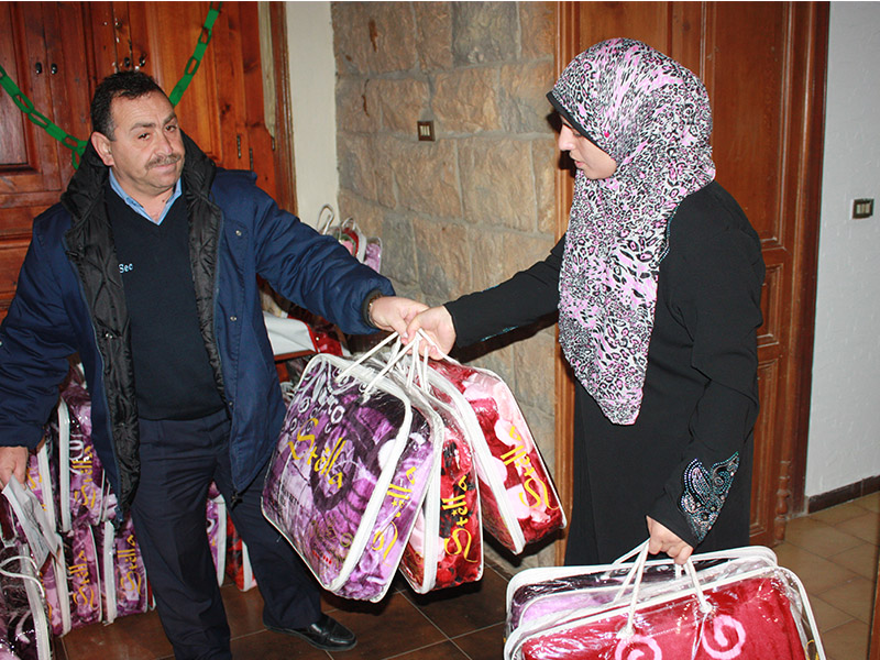 warme decken f r syrische fl chtlinge im libanon caritas salzburg. Black Bedroom Furniture Sets. Home Design Ideas